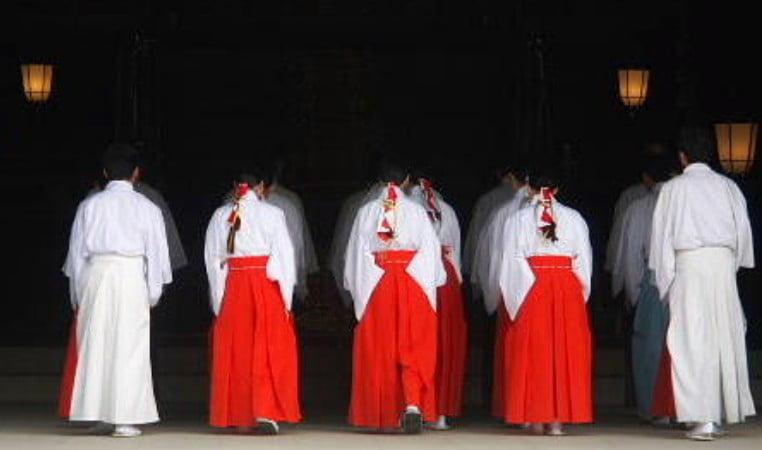 明治神宮で働きたい!!明治神宮の巫女・神職「正社員・アルバイト・パート」求人情報